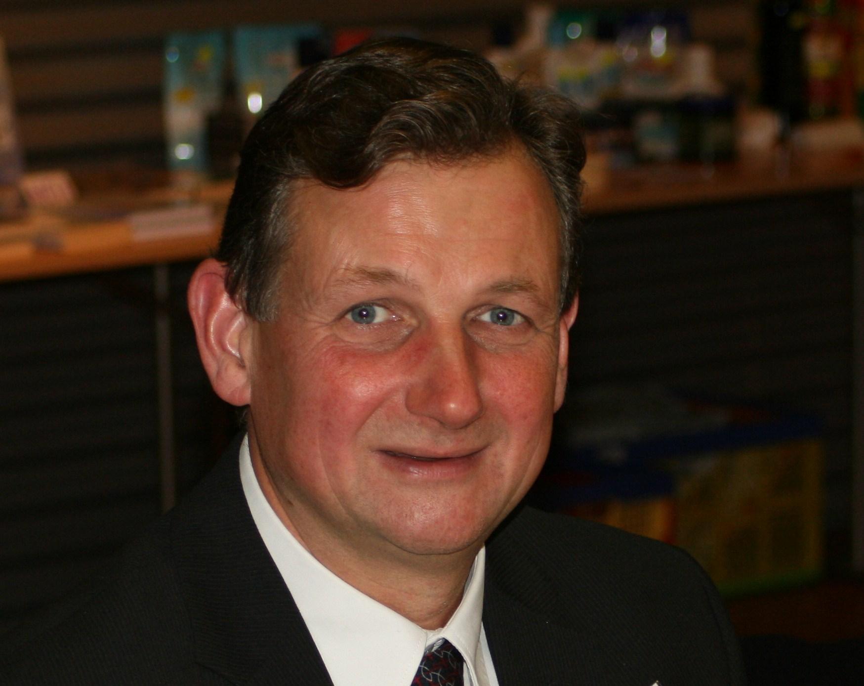 Wie nur wenige im evangelikalen Raum beschäftigt sich Dr. <b>Lothar Gassmann</b> <b>...</b> - Dr.-Lothar-Gassmann